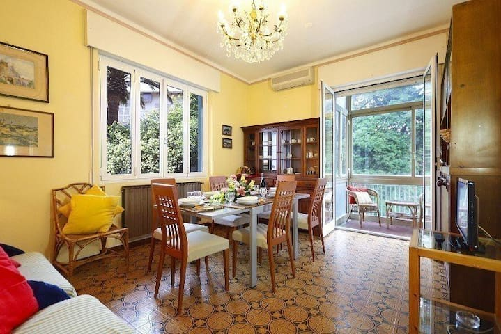 """Villa Marina Appartamento Trilocale """"Ibisco"""""""