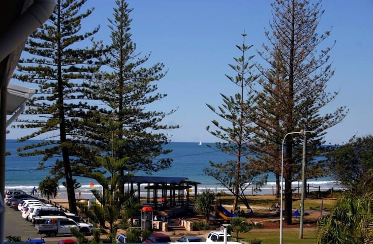 Affordable Ocean Views Unit 456 - Alexandra Headland - Apartemen
