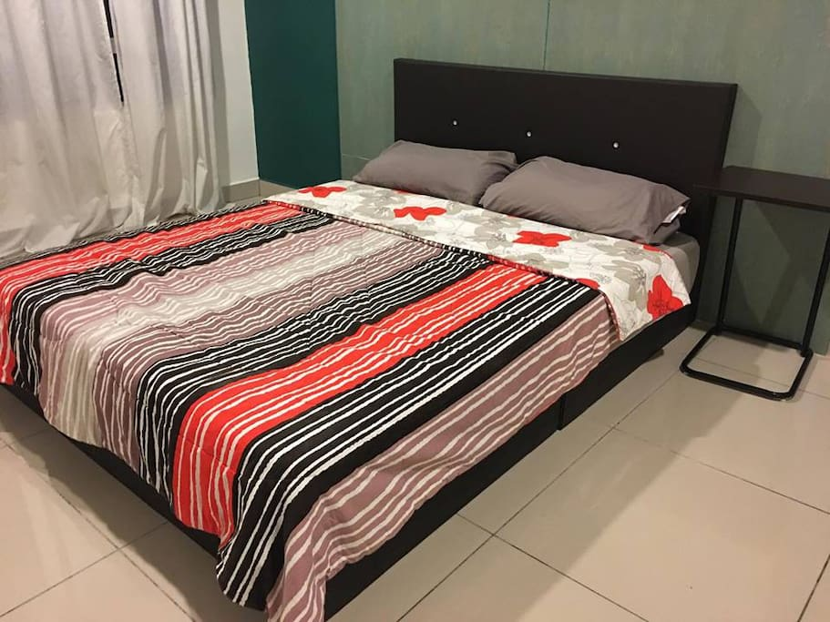 Bedroom 1 with Queen size bed