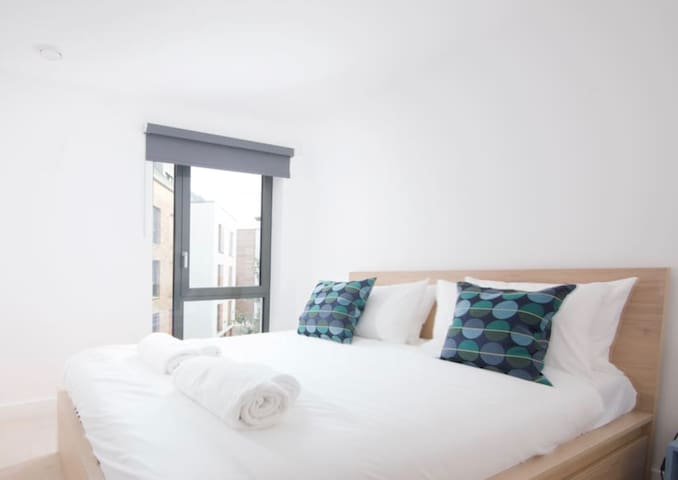 ⭐️2 Bed Wapping Wharf Apartment With Parking⭐️