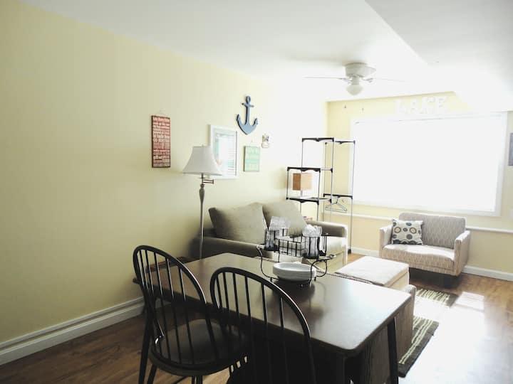 Alton Bay  / Lake Winnipesaukee Private Apartment