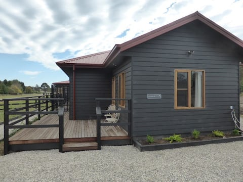 Black Barn Cottage 1 @ Waterfell