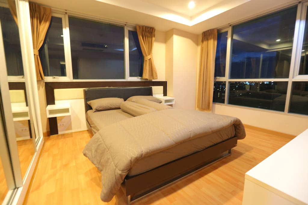Main Bed Room, King Size bed