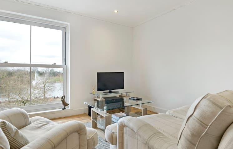 Spacious 2Bed Apartment in London with great views