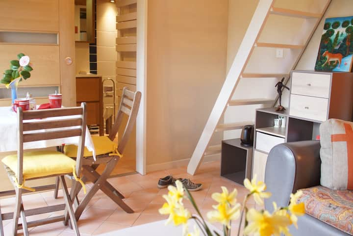 private studio in the Nantes vineyard.