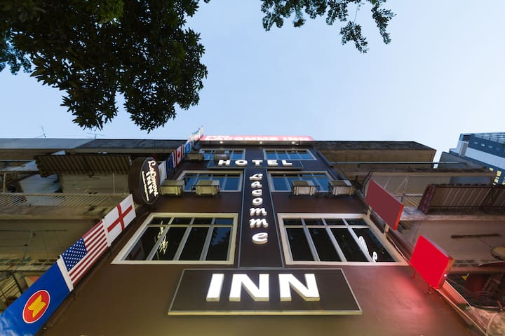 Cosy & affordable stay at bukit bintang LacommeInn