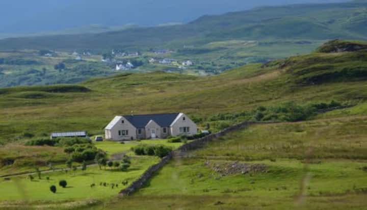 """Bracadale""@ Foxwood on Skye Bed & Breakfast"