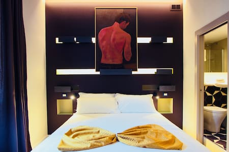 NEW ROOM NEAR COLOSSEUM/TERMINI Ametista