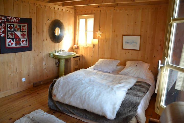 chambre 1 avec lavabo niveau 0
