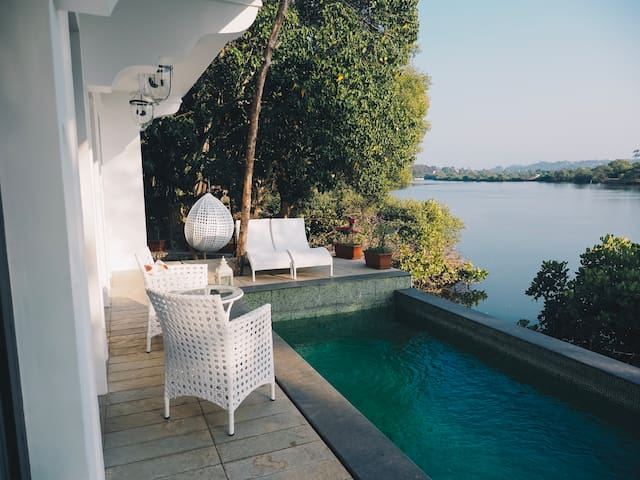 White Heaven Luxury Villa with River View Candolim