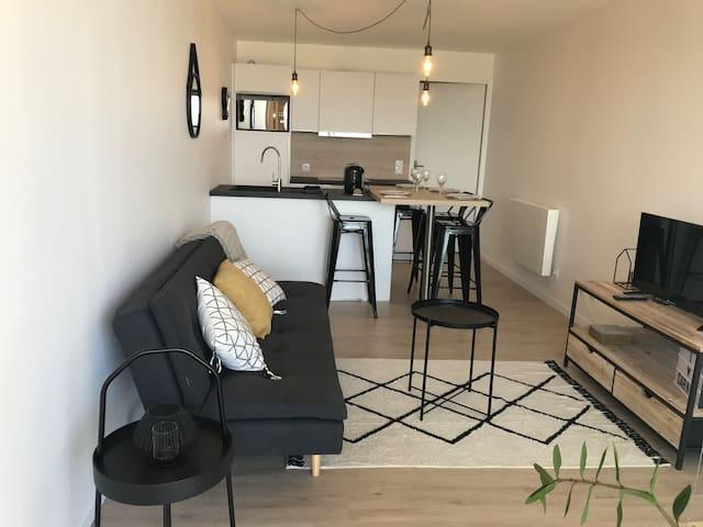 En 1ère ligne, appartement complètement rénové