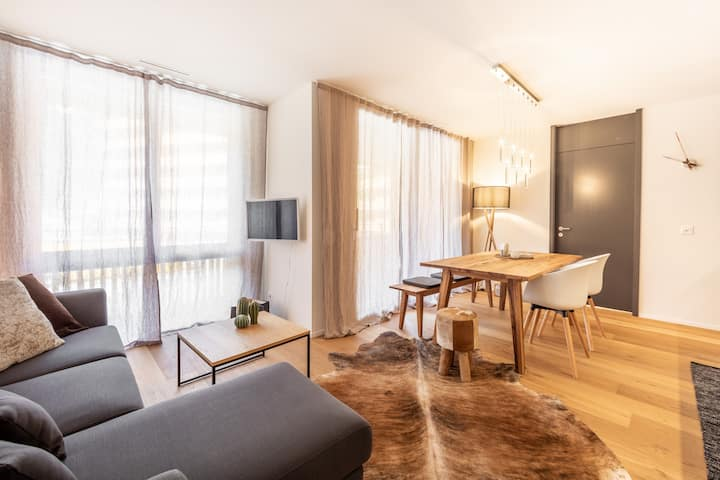brand new 2 bedroom apartment at the base station in Flims (Casa Vallada)