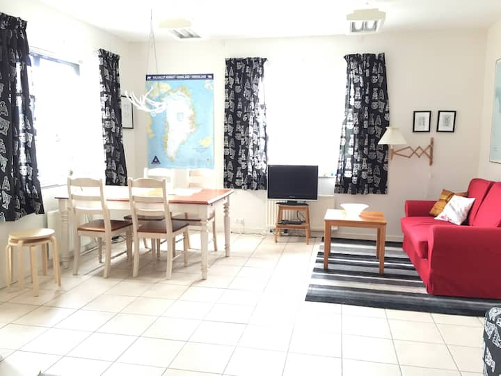 Nuuk, 2-rum apartment with sea view, nr. 40A
