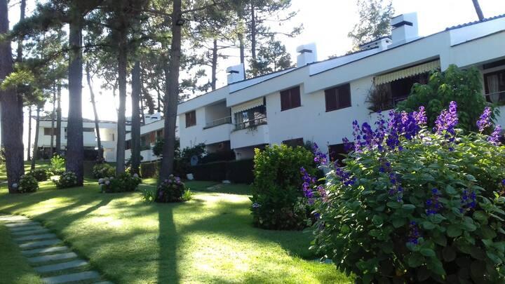 Casa con Piscina y Parrillero - Punta del Este