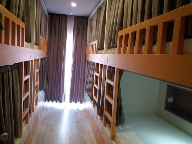 her bir odanın kendine ait bir balkonu bulunmaktadır