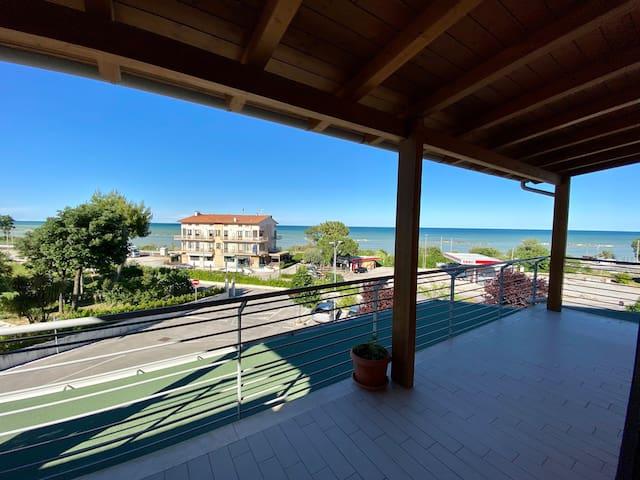 ENOJY!! Appartamento sul mare
