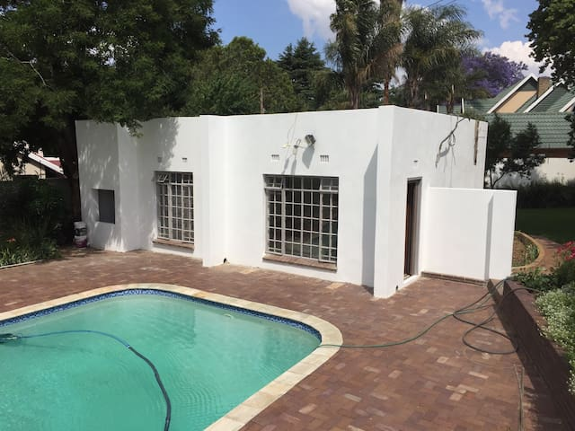 Lovely flat in garden setting - Benoni - Apartment