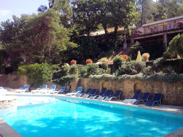 Appart 2 chambres dans la forêt - Sabran - Apartment