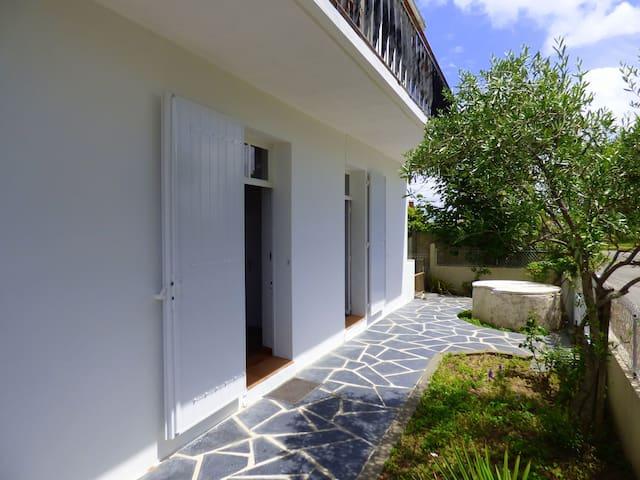 Logement deux pièces terrasse proche océan - Saint-Hilaire-de-Riez - Talo