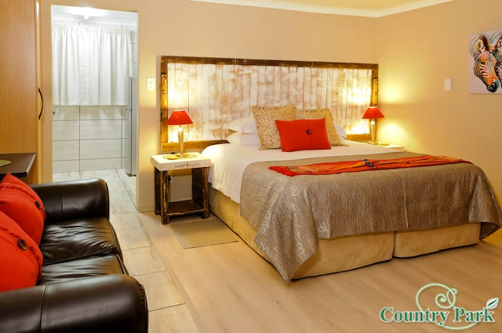 COUNTRY PARK GUEST HOUSE - STANDARD ROOM - Johannesburg - Pension