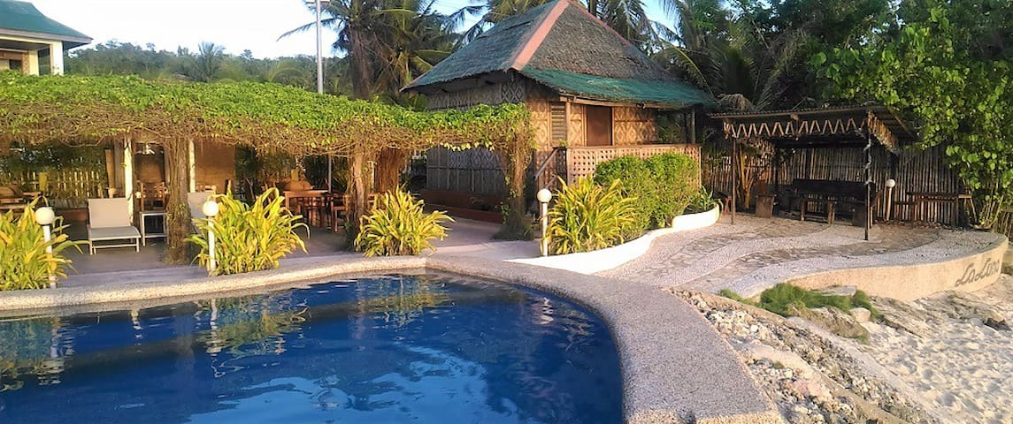 La Luna Beach Resort - Pool Side Bungalow