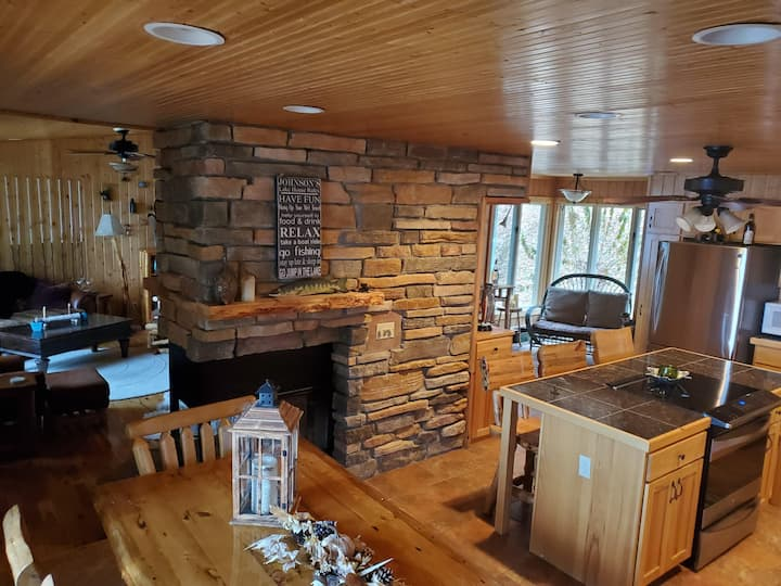 Newly Remodeled, Private Family Cottage