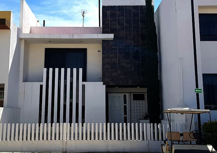 Casa bien ubicada cerca al centro de San Juan.