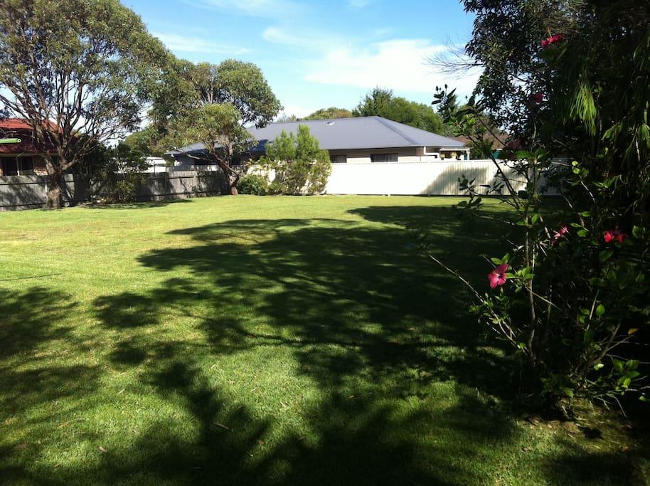 Large Fully Fenced Garden