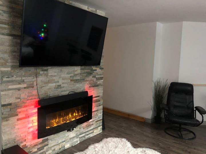 Belle chambre au sous sol style loft