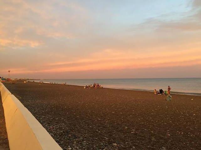 Playa Unión, casa a 1 cuadra del mar. 1-2 personas - Playa Union - Casa