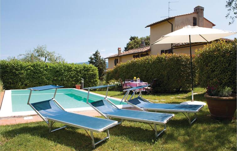 Holiday cottage with 3 bedrooms on 160 m² in Rignano Sull´Arno FI