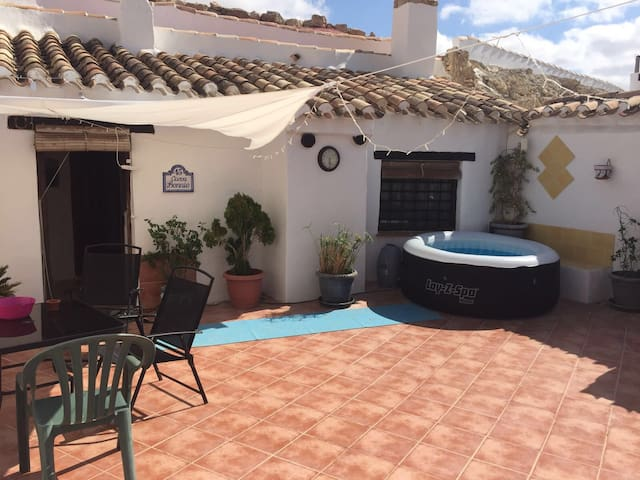 Beautiful two bedroom cave house - Fuente Nueva - Grotta