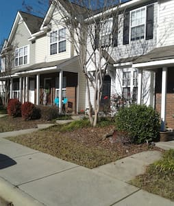 University Private Stay - Charlotte