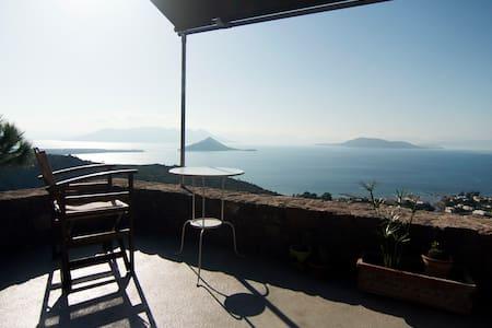 Ανεξάρτητο studio με υπέροχη θέα και κήπο, Αίγινα - Egina