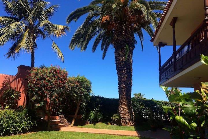 Casa La Palmera - tranquility & spectacular view - La Orotava - House