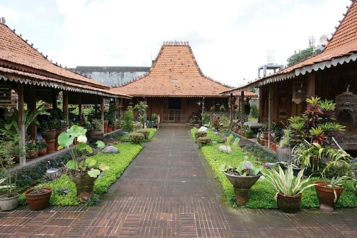 [SamanataBnB] Joglo House Syariah Jogja #2 - Sleman Regency - Wikt i opierunek