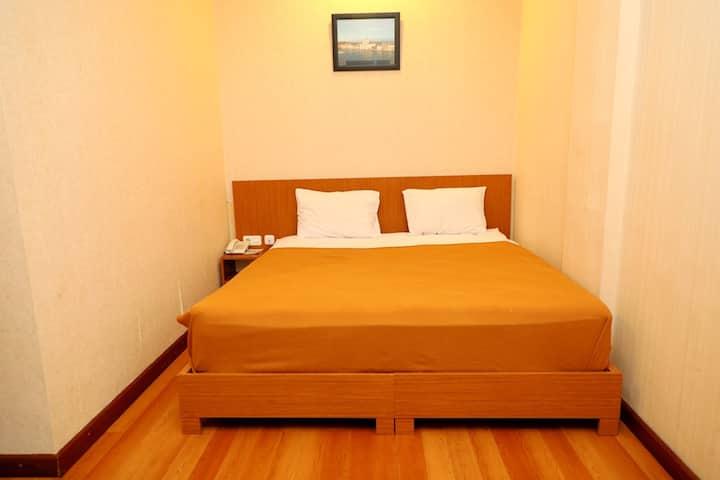 5BR, Budget Hotel, 10 min from Batam Center