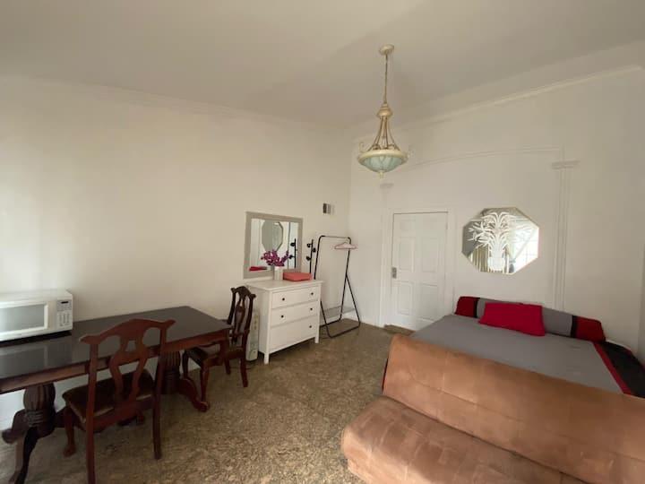 Room in sherman oaks