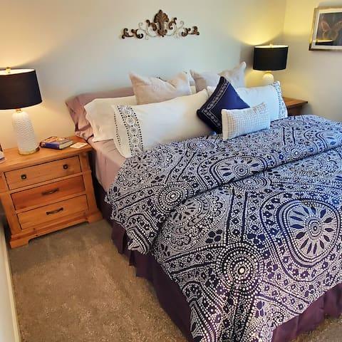 Upper level queen bedroom