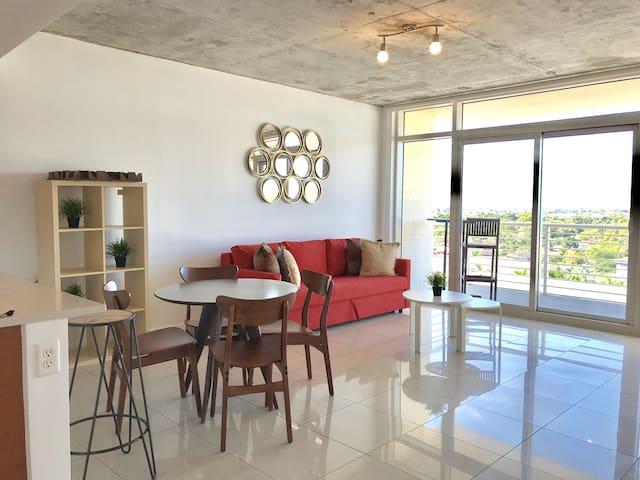 Heart of Midtown Miami/Wynwood Area