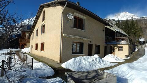 Appartement dans Maison de Village à PELVOUX