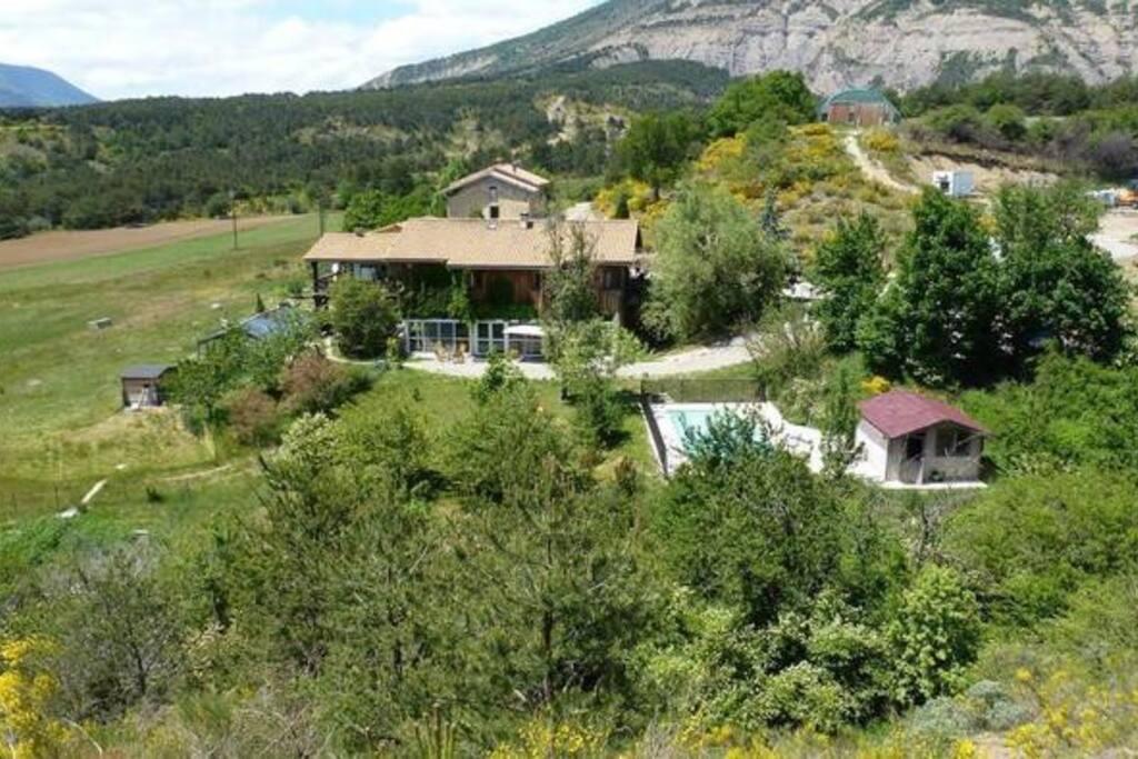 Maison 15 pers en pleine nature avec piscine g tes la for Maison en pleine nature