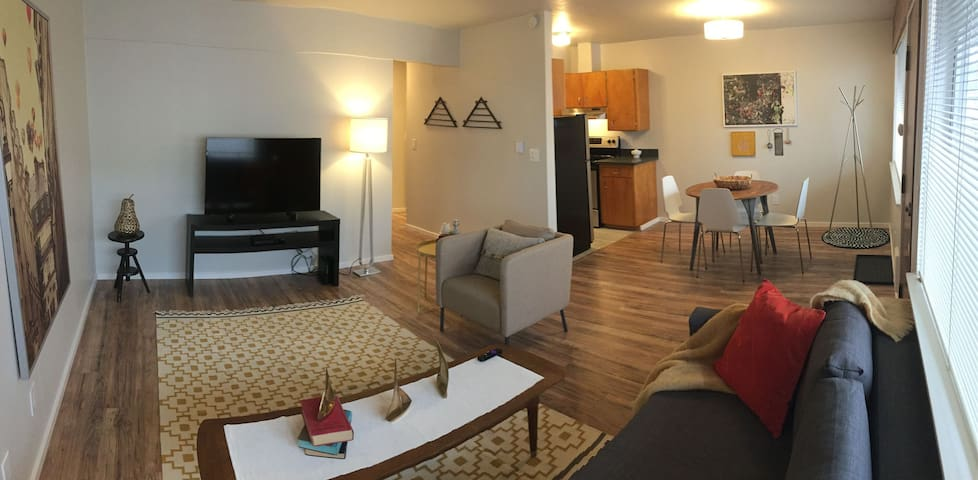 Modern Downtown Edmonds rental - Edmonds - Apartament