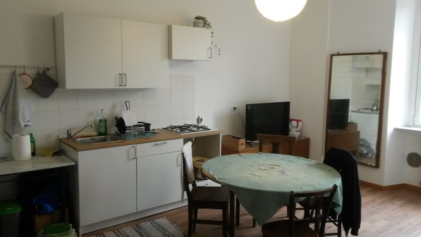 Brand new room next to subway station in Nolo!