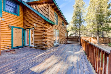 NEW LISTING! Mountain log cabin w/ enclosed yard - close to skiing, hiking, golf