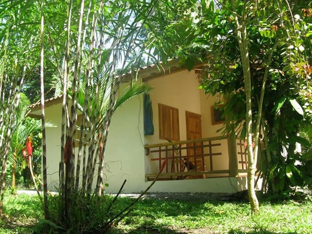 Cozy bungalow just 200m from sea! - Puerto Viejo de Talamanca