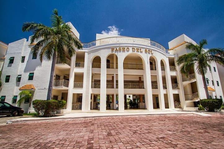 204 CENOTE, 3 Bedrooms @ PASEO DEL SOL, Playacar - Playa del Carmen - Appartement