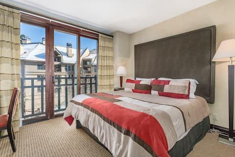 Luxury Retreat Steps from Centennial Express Lift