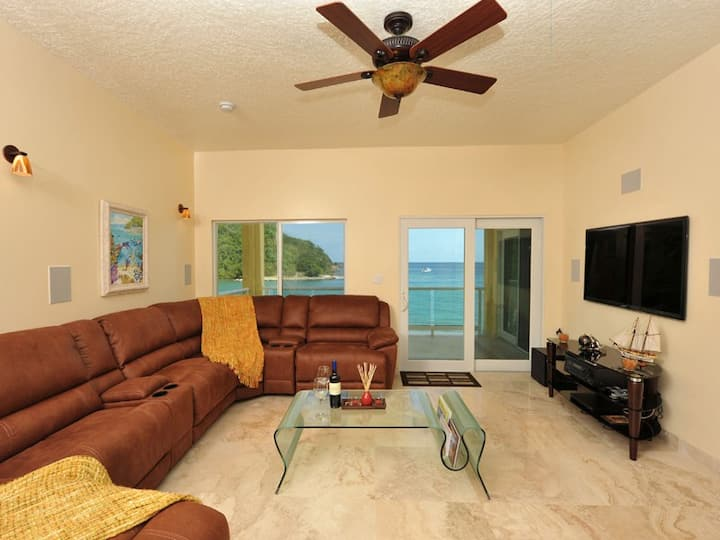 2 Bedroom 2 Bathroom Ocean Front