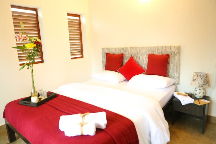 Red Omber Boutique Room 007- Candolim